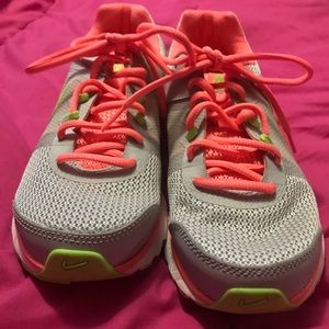 Nike Shoes - FLASH SALE!! Nike Fit Sole sneakers. Size 7.5